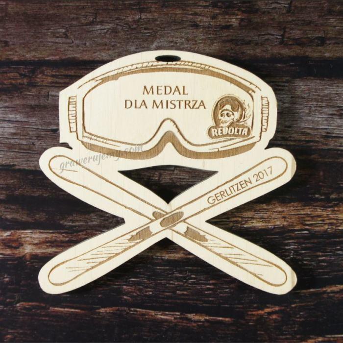 Medal drewniany 103. Narty, narciarstwo