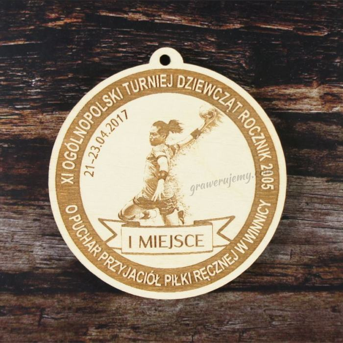 Medal drewniany 152. Turniej Piłki Ręcznej Dziewcząt