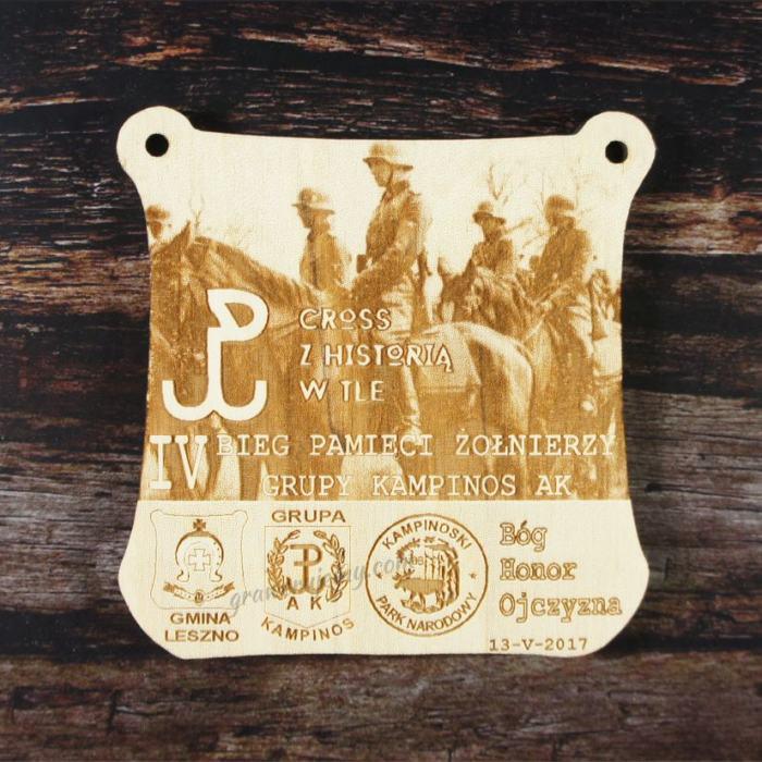 Medal drewniany 160 - Cross z Historią