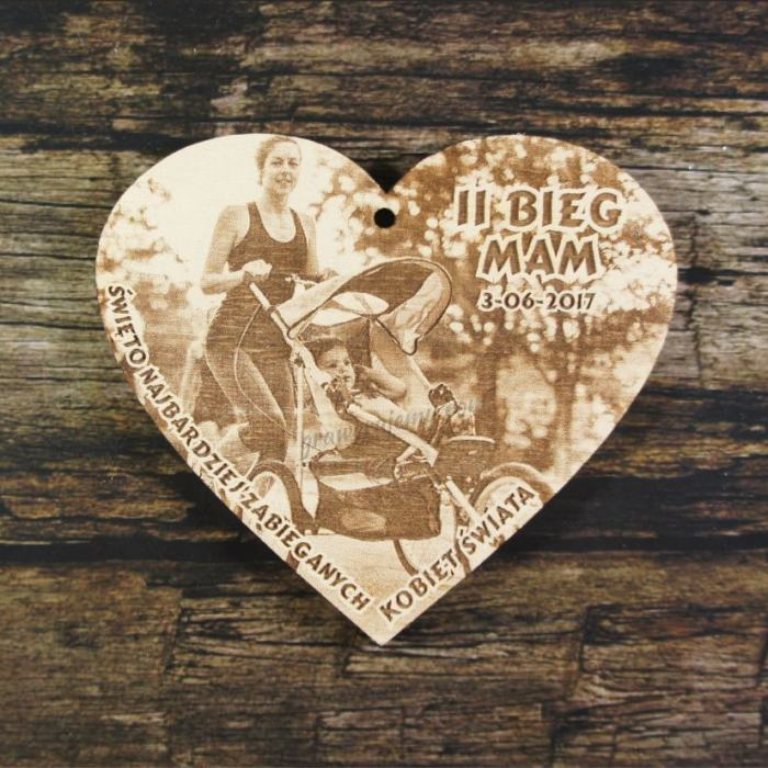 Medal drewniany 204 - Bieg mam , serce