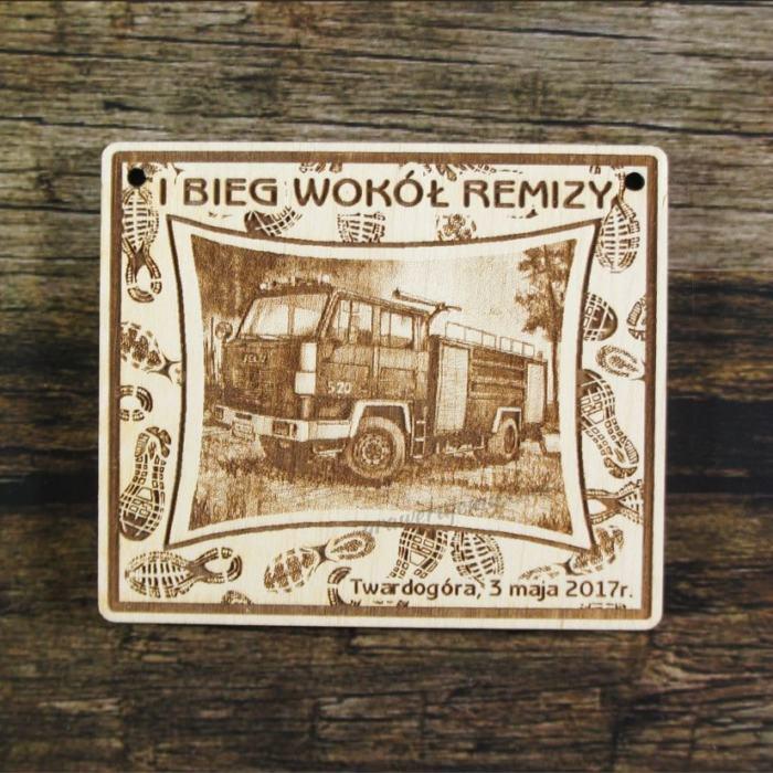 Medal drewniany 211 - Bieg wokół remizy
