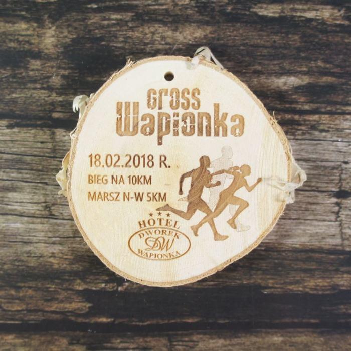 Medal drewniany, plaster drewna