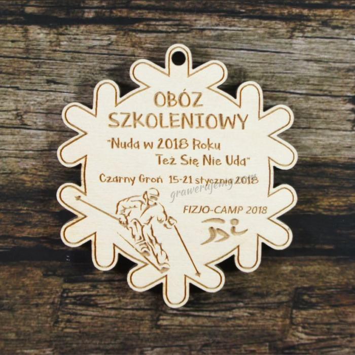 Medal drewniany 305 śnieżynka , obóz szkoleniowy